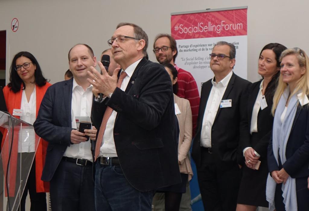 Loic simon lors de la plénière d'ouverture du social selling forum à Bordeaux